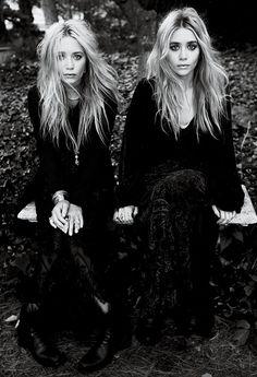 Mary-Kate & Ashley Olsen Mary Kate Ashley, Mary Kate Olsen, Elizabeth Olsen, Glamour, Quann Sisters, Pretty People, Beautiful People, Elizabeth And James Nirvana, Undone Look