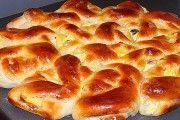 Aluatul din brânză de vaci se prepară extraordinar de simplu, este super fraged și fin și poți prepara din el cele mai delicioase și apetisante dulciuri din lume! Astăzi îți propunem o rețetă universală de aluat de brânză de vaci, care îți va fi de folos oricând și la orice ocazie. Notează rețeta! Aluat universal … Pie Co, Romanian Food, Yummy Food, Tasty, Good Enough To Eat, Russian Recipes, Hot Dog Buns, Baked Goods, Sweet Treats