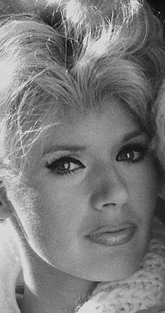 Connie Stevens was born Concetta Rosalie Ann Ingoglia in Brooklyn, New York City, the daughter of Eleanor McGinley, a singer, and Teddy Stevens (born. Female Actresses, Actors & Actresses, Vintage Hollywood, Classic Hollywood, Connie Stevens, Sandra Dee, Old Movie Stars, Vintage Movie Stars, The Muppet Show