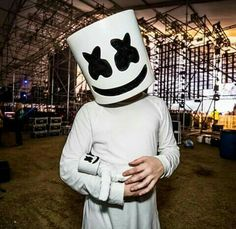 Marshmello and baby Mello Alan Walker, Nothing But The Beat, Edc, Marshmello Dj, Wallpapers Tumblr, Resurrection Day, Youre Crazy, Electro Music, Edm Music