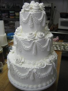 Traditional Wedding Cake Without Tier Separators Wedding