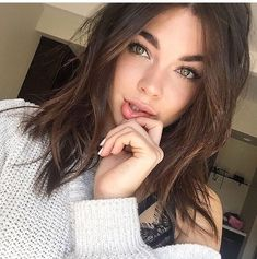 Read personajes from the story Mi alpha celoso y posesivo by Marianellafernan (Marianella) with reads. Brown Hair Green Eyes Girl, Green Hair, Curling, Pelo Cafe, Girls Taking Selfies, Mode Lolita, Brunette Girl, Tumblr Girls, Girls Image