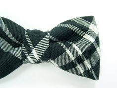 College black and white plaid bowtie  Baby toddler by nicebuzz, €18.00