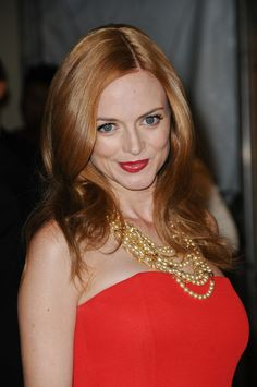 Heather Grahams glamorous, red hairstyle
