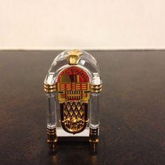 Beautiful-SWAROVSKI-RETIRED-Crystal-Gold-JUKE-BOX-FIGURINE-243444