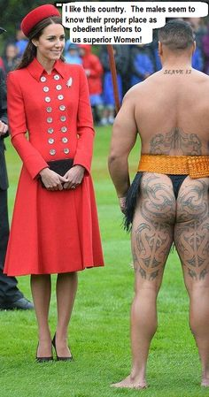 Kate Middleton is all smiles as she chats to a Maori warrior in Wellington, New Zealand [Rex] Catherine Walker, Prince William And Catherine, William Kate, Duke And Duchess, Duchess Of Cambridge, Nautical Looks, Baby George, Latest Celebrity News, Fashion And Beauty Tips