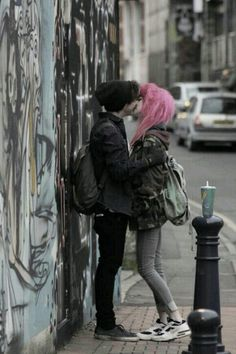 ((Open RP, be the girl with pink hair. Lesbian RP)) I push my girlfriend against the wall and kiss her. We had been dating for a couple of weeks and hadn't kissed once. Cute Emo Couples, Scene Couples, Anime Couples, Teenage Couples, Emo Love, Grunge Goth, Pale Grunge, Emo People, Arte Obscura