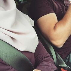 Cute Muslim Couples, Muslim Girls, Cute Couples Goals, Good Relationship Quotes, Couple Goals Relationships, Muslim Couple Photography, Girl Photography Poses, Cool Girl Pictures, Couple Pictures