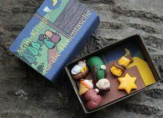 Mini Weihnachts-Krippe in Streichholzschachtel handgemacht Polymer Clay