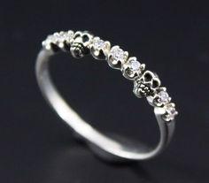 925 CRÁNEO anillo de plata todo el tamaño White Stone Rocker Gótico Mujer…