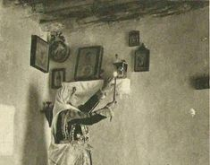 Ποιό Καντήλι Λέγεται Ακοίμητο; Orthodox Icons, Faith, Painting, Painting Art, Paintings, Drawings, Religion
