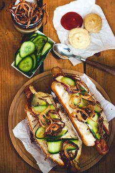 Mad på 4 sal: Hotdog´s med hjemmelavet tilbehør - homemade hot dog condiments (in Danish)
