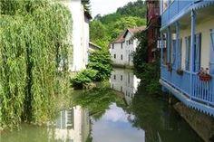 Orthez, France. vue sur le canal traversant orthez (64)