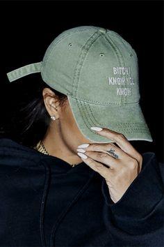 rihanna, fashion, and nails image Fashion Killa, Look Fashion, Womens Fashion, Dope Hats, I Know You Know, Rihanna Style, Rihanna Fashion, Rihanna Outfits, Rihanna Fenty