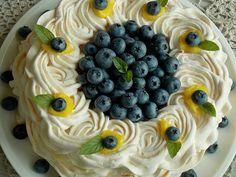 Tort bezowy z kremem cytrynowym i borówkami – KuchniaMniam Pavlova, Fruit Salad, Smoothie, Cake, Fruit Salads, Kuchen, Smoothies, Torte, Cookies