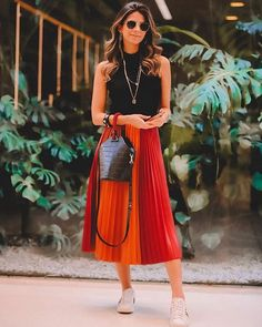 Magical Whether it is inserted within the Appears of Bruna Rezende Pleated Skirt, Dress Skirt, Midi Skirt, Dress Up, Looks Style, Casual Looks, New Fashion, Fashion Outfits, Womens Fashion