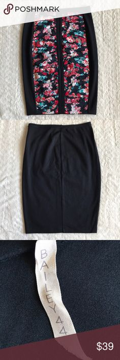 Bailey 44 Ruched Floral Print Skirt Small Stretch This skirt is in great pre-owned condition. There's no stains, or flaws. It would look great with a blazer for the office or a tank for a night out. Smoke free home. Bailey 44 Skirts Pencil