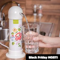 Víztisztító Black Friday2020 gyártói akciós áron, most cseréld le az állott, drága ásványvizeket mindig finom, egészséges ivó és főzővízet előállító Magyar víztisztító készülékre. Gondolj már most a Karácsonyra, szerezd be szeretteidnek, rokonaidnak időben, jóval áron alul a víztisztító ajándékot. Ez a hasznos ajándék nem a szekrény mélyén végzii, mint más ajándékok! Fekete Péntek víztisztító akciók 1 hónapon át Árkedvezménnyel + plusz 1 vízszűrő akár még olcsóbban + 1 db választható ajándék Minion, Black Friday, Ale, Magnets, Ale Beer, Minions, Ales, Beer