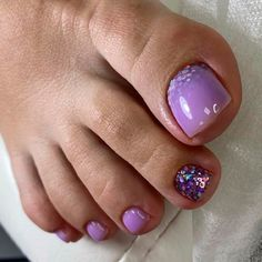 Toe Nails With Glitter Ombre ❤ 40+ Incredible Toe Nail Designs for Your Perfect Feet ❤ See more ideas on our blog!! #naildesignsjournal #nails #nailart #toes #toenaildesigns #toenails Pretty Nail Designs, Toe Nail Designs, Pedicure Nail Art, Nail Candy, Going Crazy, Toe Nails, Looking Gorgeous, Glitter Nails, Pretty Nails
