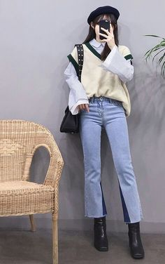 korean fashion fall outfit preppy style blue mom jeans white button up shirt cream green v neck sweater vest Sweater Vest Outfit, Vest Outfits, Cute Casual Outfits, Kpop Outfits, Fall Fashion Outfits, Korean Outfits, Grunge Outfits, Korean Girl Fashion, Korean Fashion Trends