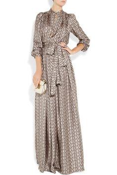Lanvin Designer-print silk-satin twill gown-very elegant & VERY expensive Islamic Fashion, Muslim Fashion, Modest Fashion, Hijab Fashion, Fashion Dresses, Modest Dresses, Modest Outfits, Pretty Dresses, Beautiful Dresses