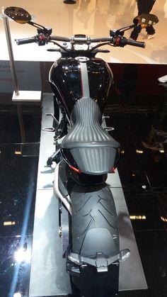 Ducati Diavel #intermot  #caferacercult #crc