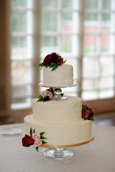 you don't have to like this but it totally reminds me of my wedding cake.
