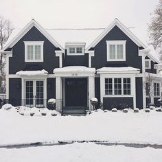 BECKI OWENS- 10 Beautiful Black + White Exteriors