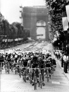 Tour de France 1988 , stage 23 Nemours Paris.