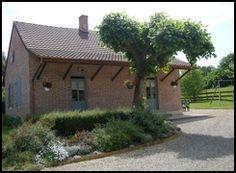 Capacité : 8 personnes  Nombre de chambres : 4 chambres  Surface : 145 m²  Animaux gratuits  Internet gratuits