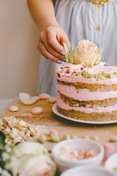 Constellation Inspiration: White Chocolate Spiced Cake with Rosewater Cream Cheese and Pistachios Christina Tosi, Slow Cooker Desserts, Sweet Recipes, Cake Recipes, Dessert Recipes, Nake Cake, Spice Cake, Savoury Cake, Pretty Cakes