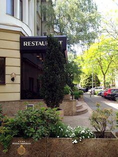 In Köln-Ehrenfeld blüht und grünt es überall. Unser Hotel Imperial liegt in in einem ruhigen Wohngebiet, fußläufig zur Kölner Innenstadt.