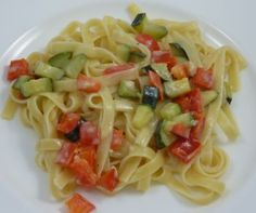 Carbohydrates: Fettuccine with Bell Peppers and Zucchinis in Coconut Sauce - Food Combining Diet