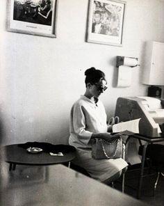 Audrey Hepburn pregnant with her first child, Sean.