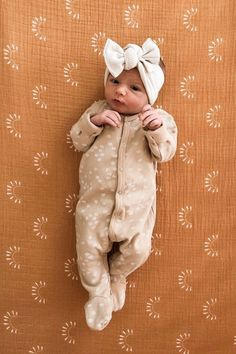 Sundown Muslin Swaddle – Home & Women Cute Baby Girl, Baby Boy, Baby Girl Winter, Camo Baby, Carters Baby, Baby Outfits Newborn, Newborn Baby Girl Outfits, Cute Baby Outfits, Cute Babies Newborn