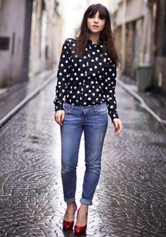 Modelagem clássica com estampa poá em preto e branco Urban Fashion, Capsule Wardrobe, Polka Dot Top, Casual Looks, Ideias Fashion, Street Style, Outfits, Inspiration, Clothes