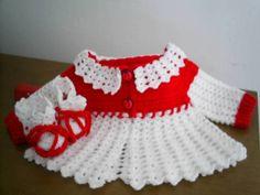 Conjunto de crochê para bebê.  Feito com lã anti-alérgica.  Composto por casaquinho e sapatinho.  Tamanho de 0 a 3 meses.  Pode ser feito em outras cores. R$ 60,00
