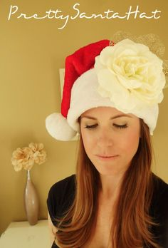 Simply embellish a traditional Santa hat with this easy and quick tip to feel pretty during the holidays! #DIY Pretty Santa Hat.