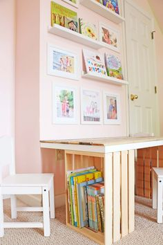 DIY Pallet and Crate Kid Table – At Home With Natalie