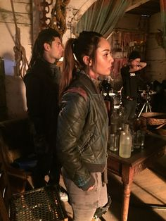BTS photos posted by The 100 Writers during the airing of episode 509 [x The 100 Tv Series, The 100 Cast, The 100 Show, It Cast, Best Tv Shows, Best Shows Ever, The 100 Raven, Lindsay Morgan, Netflix