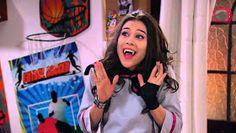 Female Vampire, Youtube, Abs, Amelie, Netflix, Wallpapers, Halloween, Vampire Teeth, Bear Wallpaper
