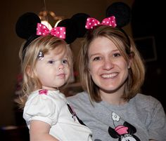 How to Make Mickey Minnie Mouse Ears for a Party! | TheSuburbanMom