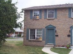 40 SUMMIT AV # 6 - Great investment, great location, continue fully rented. Current lease until April 30, 2016 with rent at $2010 per month, most of tenants renewed lease for one more term. 3+2 bedroom with 2.5 baths all above ground. Walkout to patio from kitchen, easy for BBQ. CALL SALLY JIA 519.673.3390 http://www.century21.ca/Property/101141979