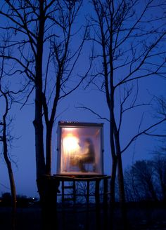 Articles about these incredibly tiny cabins tree houses and mobile dwellings are all less. Dwell is a platform for anyone to write about design and architecture. Small Buildings, Garden Buildings, Mini Houses, Small Houses, Outdoor Tub, Unusual Houses, Tiny Cabins, Dream House Exterior, Small Places