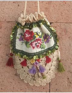 Drawing Bag, Crochet Bikini Pattern, Lace Bag, Carpet Bag, Point Lace, Diy Purse, Linens And Lace, Simple Bags, Fabric Bags