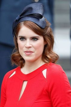 Princess Eugenie's Wedding Makeup Is Simply Stunning Princess Eugenie And Beatrice, Eugenie Wedding, Walking Down The Aisle, Bridal Beauty, British Royals, Wedding Makeup, Brows, Beauty Makeup, Royalty