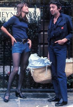Jane Birkin, Serge Gainsbourg and baby Charlotte in a basket.
