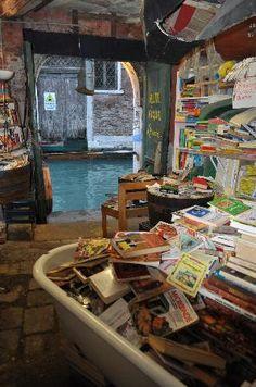 Libreria Acqua Alta: Eclectic bookstore in VENICE