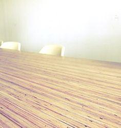 De 'signature' tafel van Panettiere kan worden aangepast naar wens. Diverse variaties zijn mogelijk met betrekking tot: * lengte / breedte * houtsoort * onderstel * afwerking  Kies je voor een afwerking met lak, olie of epoxy?  Neem contact op om de mogelijkheden te bespreken!  Op deze foto is de tafel uitgevoerd in meranti multiplex met een lak finish.  #hout #staal #houtenstaal #lak #olie #epoxy #maatwerk #signaturedesign #signature #design #tafel #meubel #interieur #opmaatgemaakt #tafels