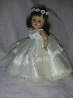 For Sonja Wedding Doll, Wedding Music, Old Dolls, Antique Dolls, Beautiful Dolls, Beautiful Bride, Terry Lee, Bride Dolls, Doll Shop